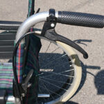 車椅子 ハンドブレーキ