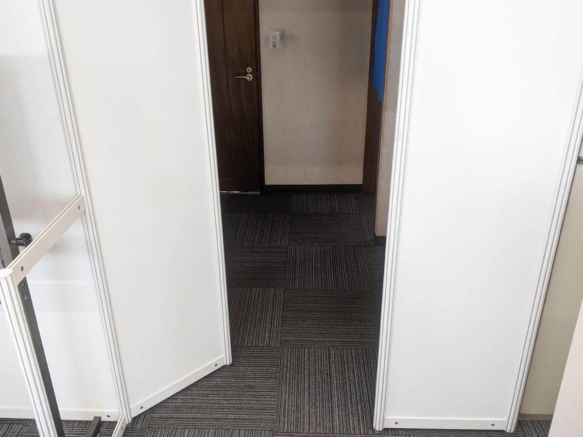 オクタノルムパネル使用例(入り口)