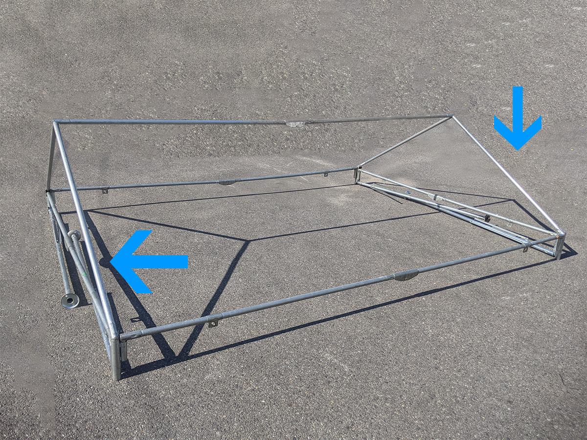 1.5間×2間パイプテント 屋根の形が完成した状態