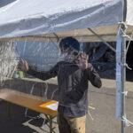 飛沫感染防止用テント横幕(3間・透明) 使用風景1