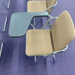 メモ台つきパイプ椅子 使用イメージ