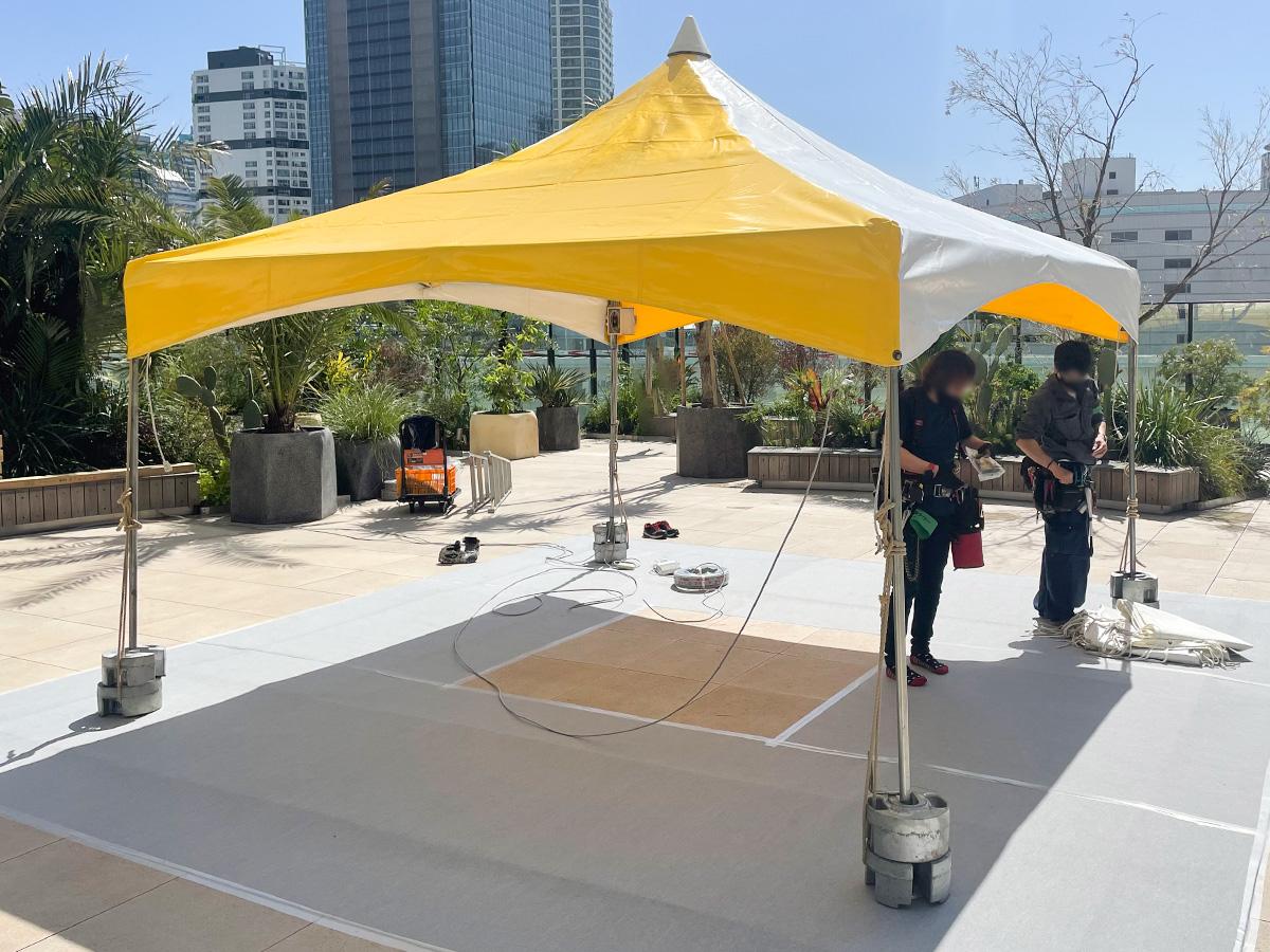 マルシェ会場でテントを使用1