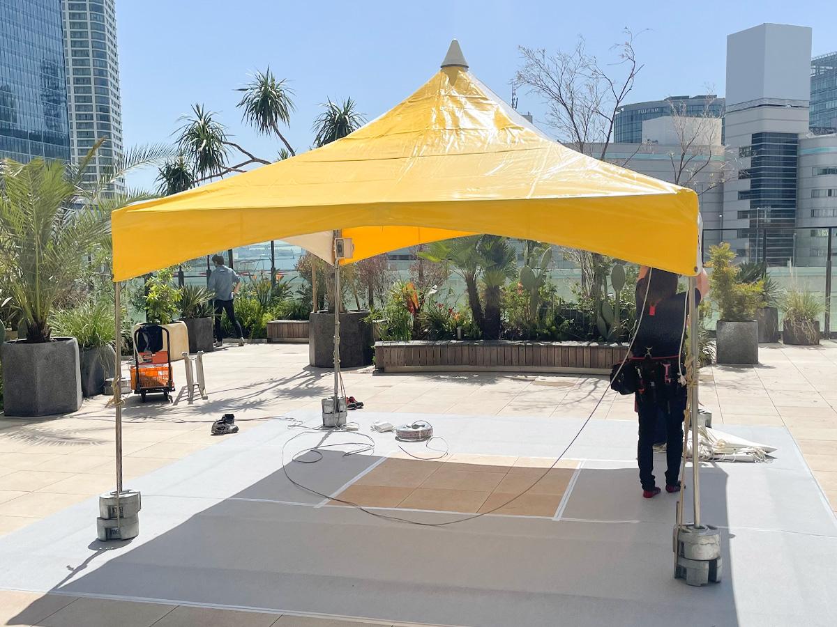 マルシェ会場でテントを使用2