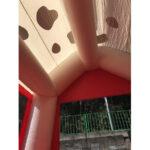消防犬エアハウス 天井の様子